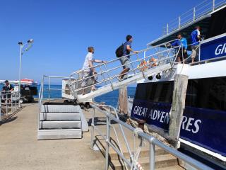 Green Island Cruises - Boarding Vessel