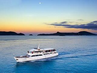 Outer Great Barrier Reef Cruise