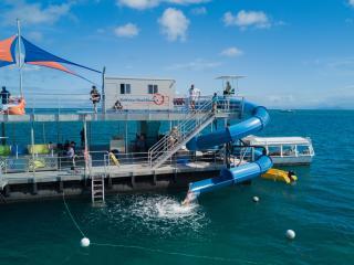 Moore Reef New Pontoon Waterslide